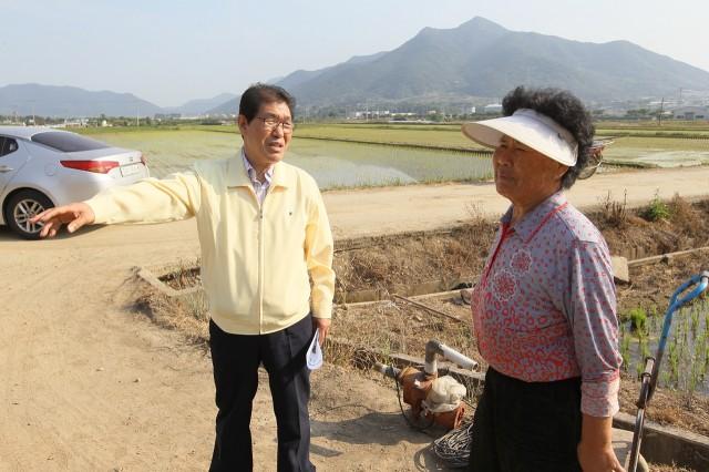 6월2일 농작물 가뭄 피해 현장점검 (3).JPG