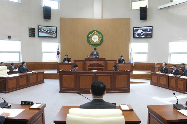 고성군의회,제2차 정례회 제2차 본회의.JPG