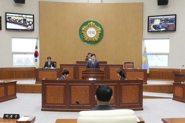 고성군의회, 2018년 첫 임시회 개회 (1).JPG