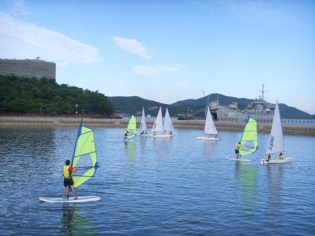고성군 , 초·중·고 해양레포츠 무료교육은 당항포 요트앤스쿨에서.JPG