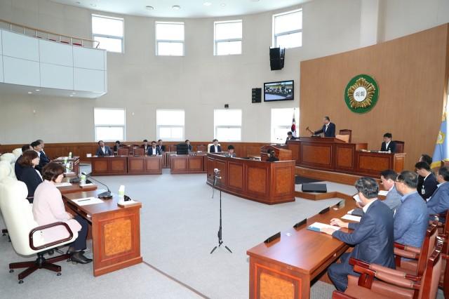 7월31일 제236회 고성군의회 임시회 2차본회의 (1).JPG