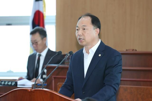 10월16일 제238회 고성군의회 임시회 (5).JPG