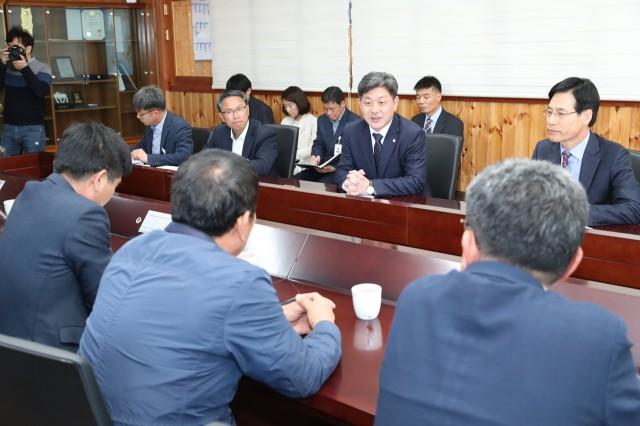 11월1일 축산인연합회 간담회 (2).JPG