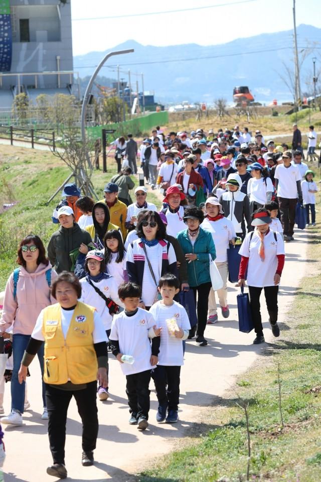 4월6일 치매극복 걷기 행사 (3).JPG