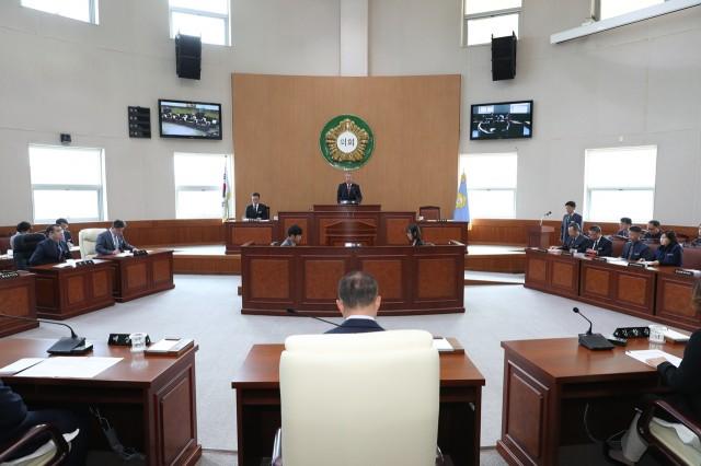 4월9일 제242회 임시회 1차 본회의 (1).JPG