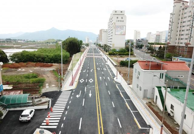 고성읍 송학광장_교사삼거리 도시계획도로 개통.jpg