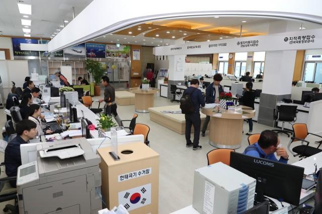 고성군청 민원실, 군민소통공간으로 탈바꿈 (1).JPG