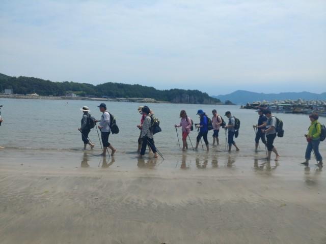 경남 고성군, 주민 참여 해양치유 프로그램 시범 운영(상족암군립공원) (1) (1).jpg