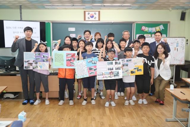 7월17일 백두현 군수 대흥초등학교 공개수업 참석 (1).JPG
