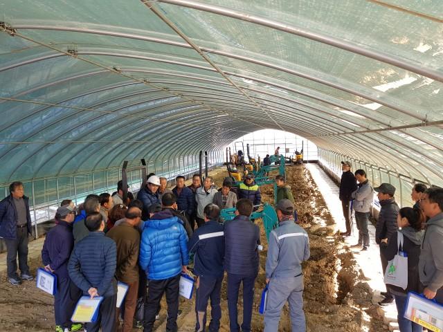고성군, 농업기계 안전사용 및 농용굴삭기 운행 기술교육 실시(1).JPG