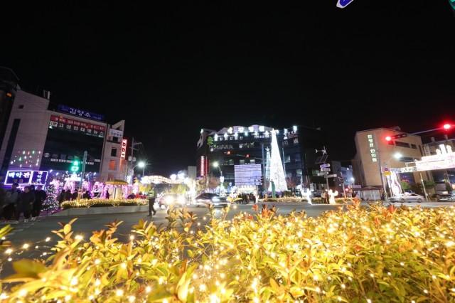 11월27일 2019년 크리스마스 트리 점등식 (3).JPG
