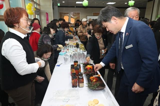 12월2일 농산물가공·창업보육센터 첫 돌맞이 초대전 (3).JPG