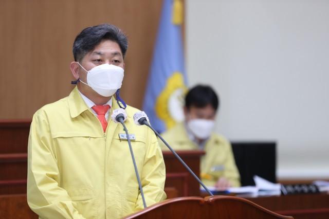 1-1 백두현 고성군수 시정연설을 통해 2021년 군정 운영방향 제시.JPG