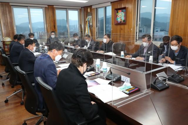 1-1 황보길 도의원 초청 정책 간담회 개최.JPG