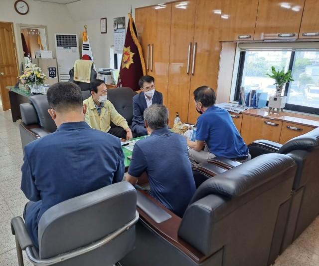 1-2 제35대 이기봉 부군수 취임-재향군인회 방문.jpg
