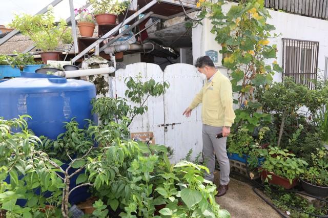 2-1 집중호우 피해지역에 집 사러 간 군수.JPG